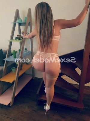 Clorinda massage sexy escort girl sexemodel