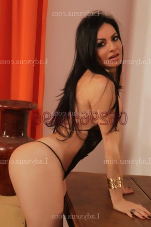 Aimelyne massage tantrique escorte