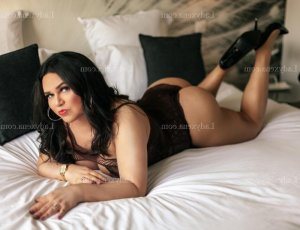 Ambre-marie massage tantrique escort