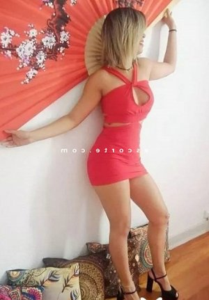 Renée-marie massage escort girl